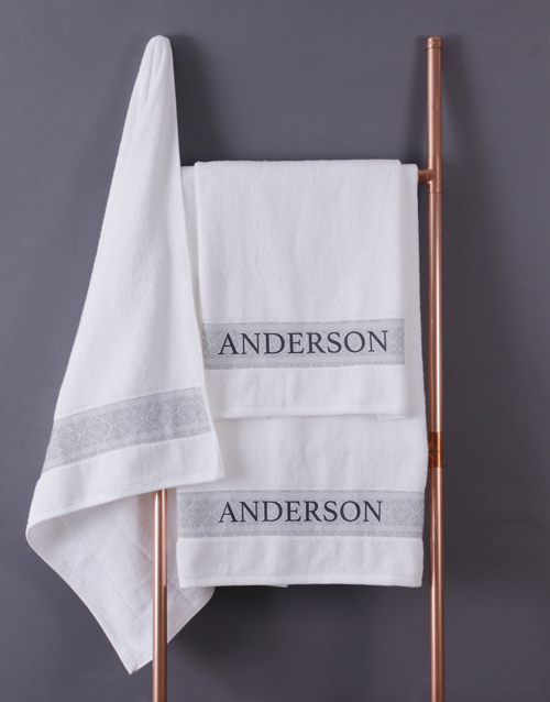 christmas: Personalised Surname White Bath Towel Set!