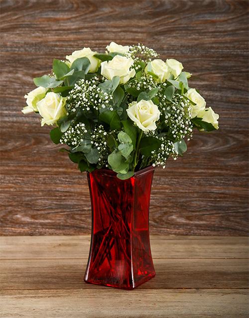 colour: White Whispers Rose Vase!