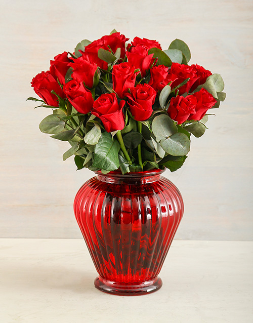 coloured-vases: Really Red Rose Delight!