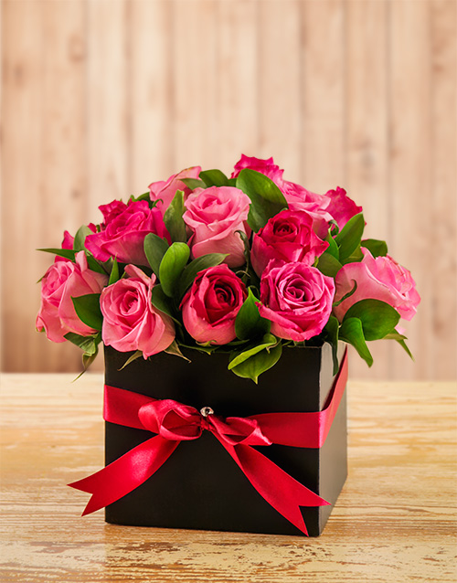 colour: Mixed Pink Roses in a Box!