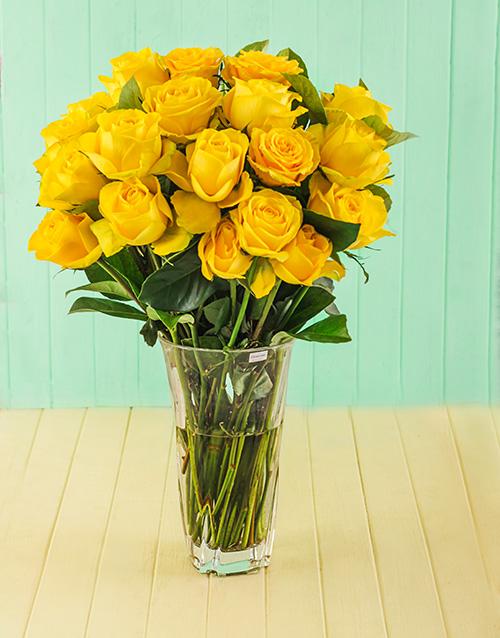 luxury: Yellow Roses in Cristal DArques Elixir Vase!